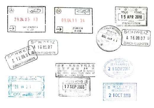 Pecsétek városnevekkel és dátumokkal.
