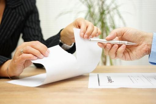 határozott munkaszerződés