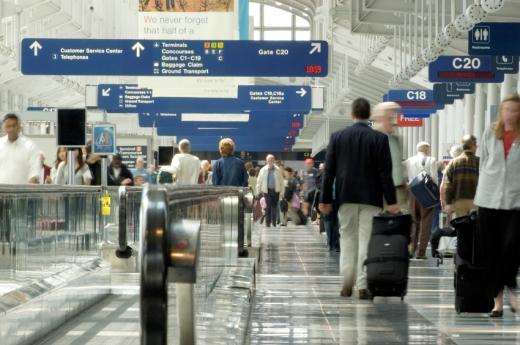 Egy forgalmas reptér.