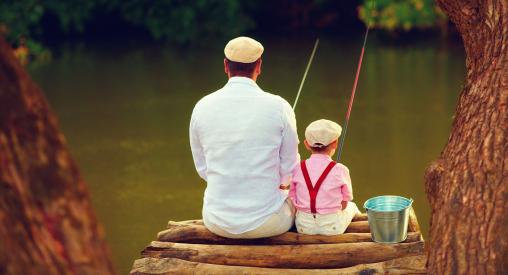 apa és fia horgásznak