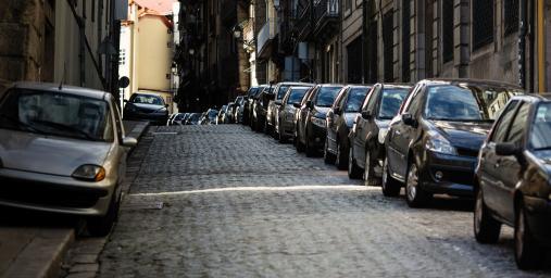 járdán parkolás