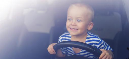 közlekedés, vezetés, gyermek, kiskorú veszélyeztetése