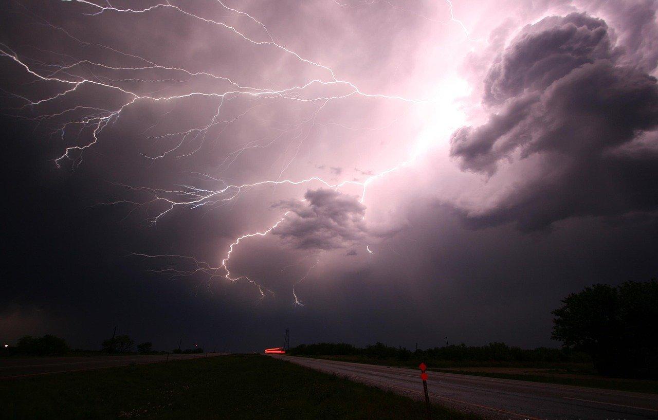 vihar, kár, kárrendezés, biztosító,
