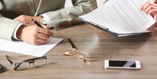 versenytilalmi megállapodás, munkáltató, munkavállaló, ellenérték