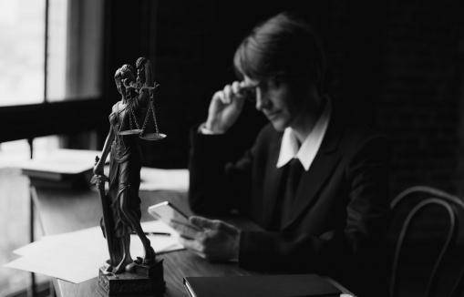 ügyvéd, ügyvédjelölt, ügyvédi tevékenység, jogi előadó, jogtanácsos, védő, tévhitek