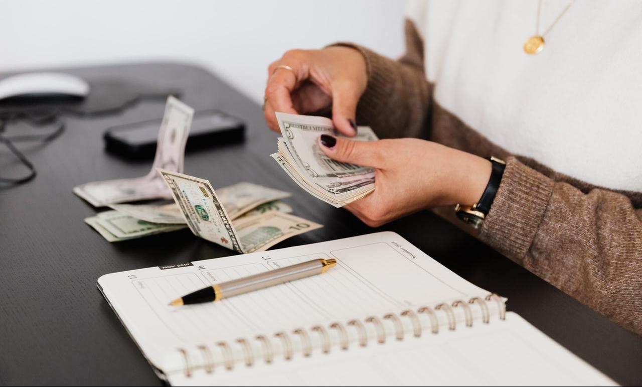 behajtási költségátalány, tartozás, késedelem, vállalkozás