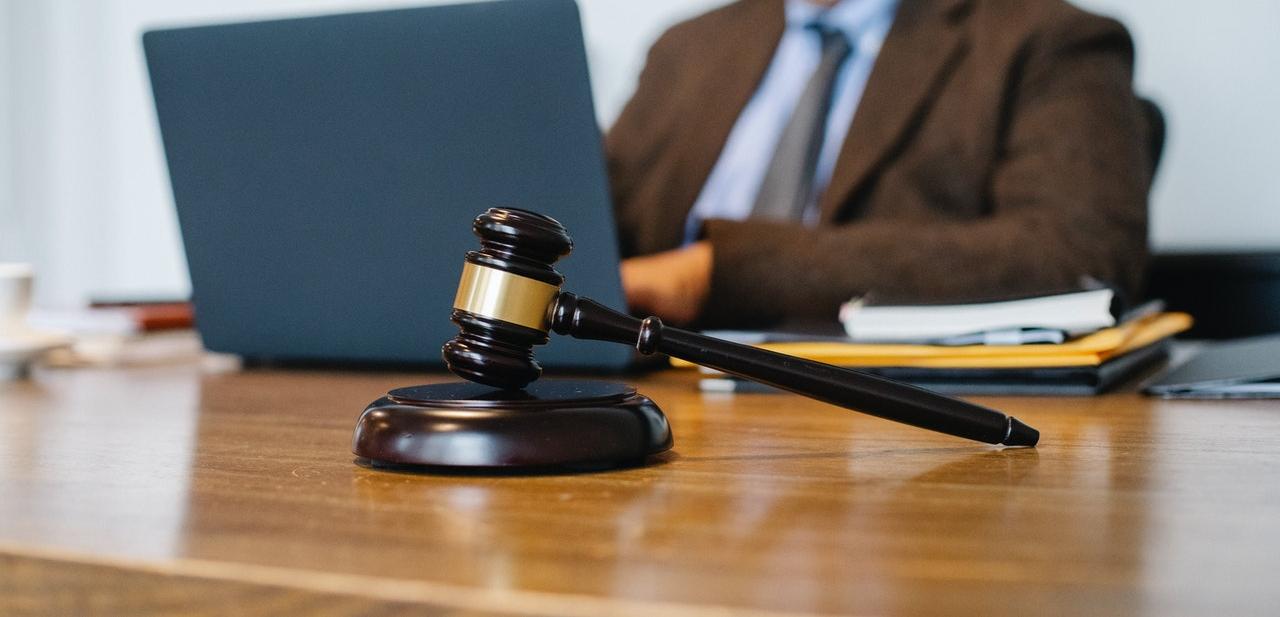 jogász, törvény, jogszabály, jogi személy, törvényhozás,